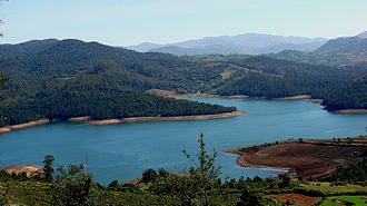 Ooty - Image: Emerald Lake Nilgiris