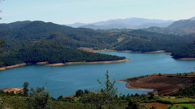 File:Emerald Lake Nilgiris.jpg