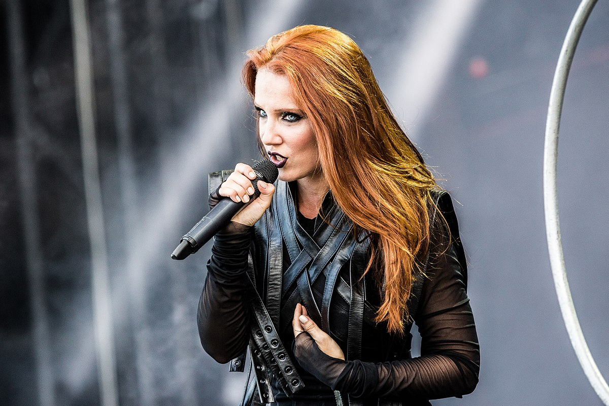 Space Capes - the Costumes thread 1200px-Epica_Summer_Breeze_Open_Air_2017_26