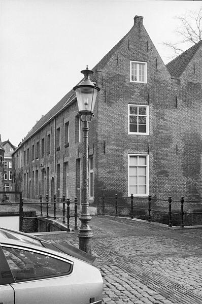 File:Exterieur RECHTER ZIJGEVEL - 's-Hertogenbosch - 20299306 - RCE.jpg