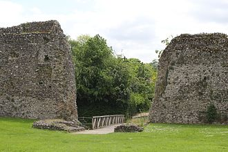 Eynsford Castle - Foundations of the gatehouse