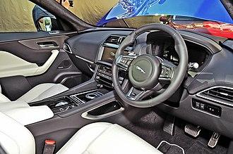 Jaguar F-Pace - Image: F P X761 hk 160624 7346besg