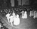 Feestelijke viering van 50 jaar kinderwetten in de Ridderzaal wordt in historis, Bestanddeelnr 907-4761.jpg
