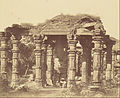 Felice Beato (British, born Italy - (Exterior of the Hindu Temple in Kootub) - Google Art Project.jpg