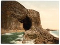 Fingal's Cave, Staffa, Scotland-LCCN2001706026.tif