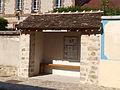 Fleury-en-Bière-FR-77-abribus de la mairie-09.jpg