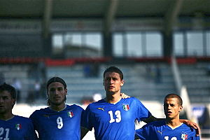 Sebastian Giovinco - Giovinco (furthest right) lining up at the 2008 Toulon Tournament.