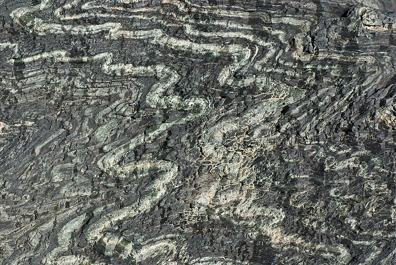 Archivo:Folded serpentinite.jpg