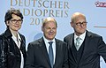Frauke Gerlach, Olaf Scholz, Joachim Knuth - Deutscher Radiopreis 2016 03.jpg
