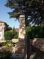 Genay - Rhône-Alpes - Monument aux morts - Côté gauche.jpg