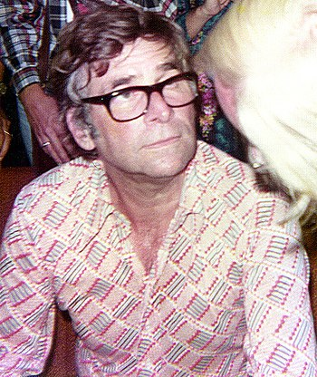 Gene Roddenberry listening to fans after his l...