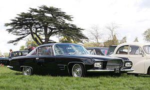 Ghia L6.4 (Chrysler base) west of Bedford front three quarters.JPG