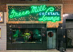 Green Mill Cocktail Lounge exterior.jpg