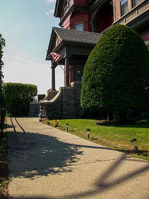 Greene Mansion - Image: Greene Mansion Walkway