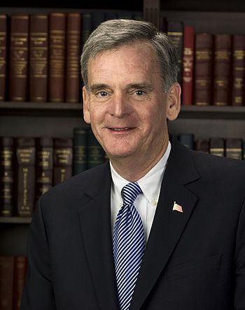 English: Official photo of Senator Judd Gregg ...