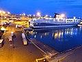 Grimaldi Visione notturna prima della partenza verso Porto Torres. - panoramio.jpg