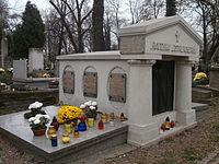 GrobowiecEstreicherów-CmentarzRakowicki-POL, Kraków.jpg