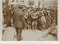 Groep arbeiders demonstreert in Parijs op straat, ca. 1900, RP-F-2011-30.jpg