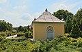 Gross Leuthen Friedhof Grabbau Familie Hordt 02.JPG