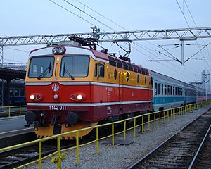 HŽ 1142 series locomotive (01).JPG