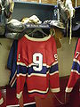 HHOF July 2010 Canadiens locker 02 (M. Richard).JPG