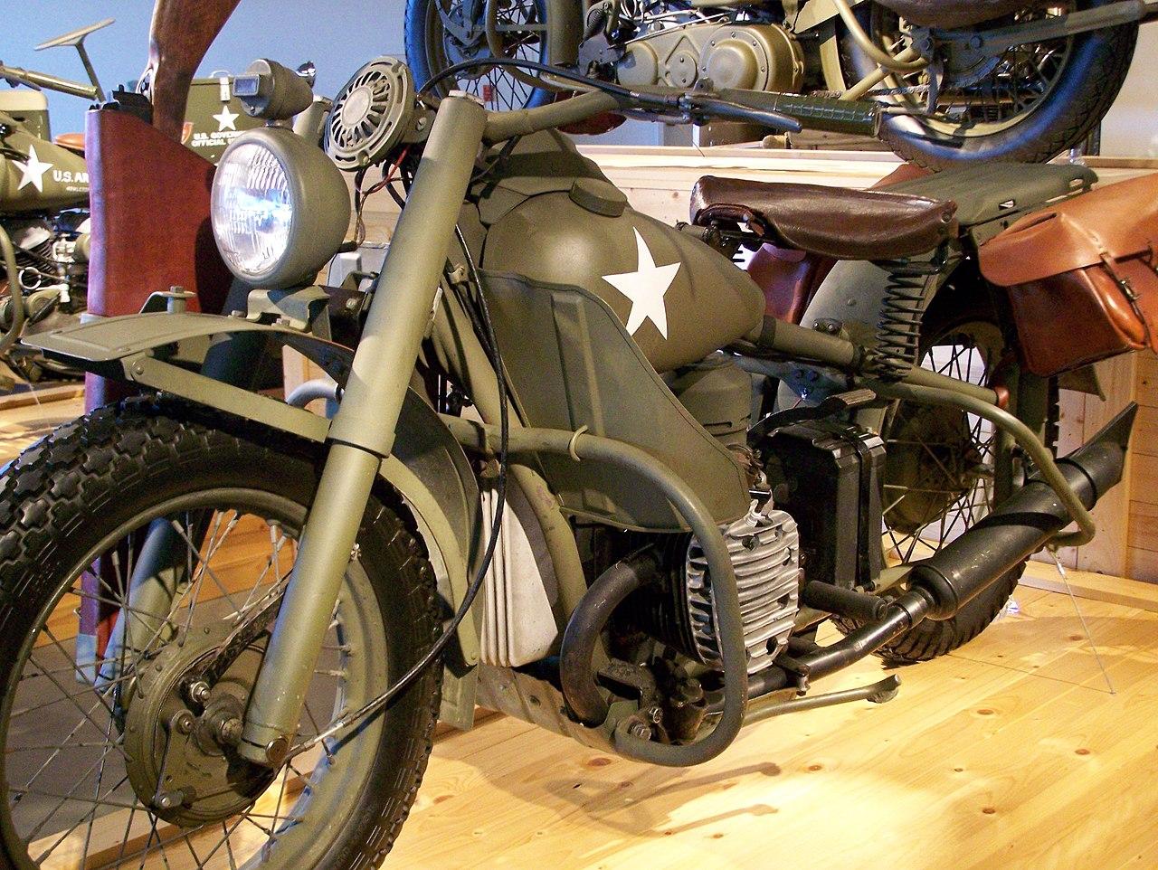 Barber Vintage Motorsports : File:HarleyDavidson XA at Barber Vintage Motorsports Museum from front ...