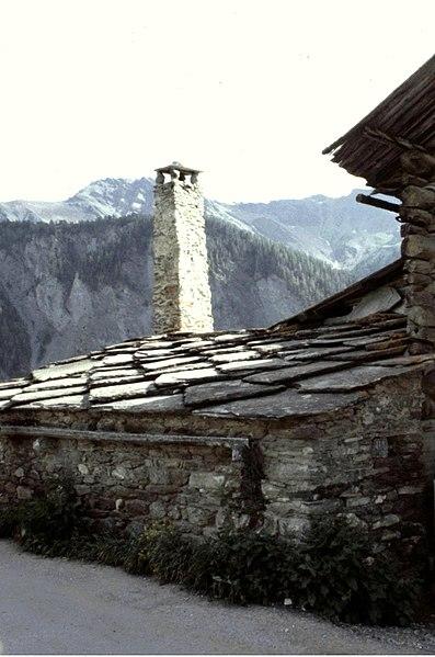 Hautes-Alpes Saint-Veran Cheminee 071986