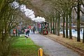 Het trammetje getrokken door locomotief Hoogeveen (32727962501).jpg