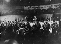 HitlerEnElPalacioDeLosDeportesDeBerlín1933.jpeg