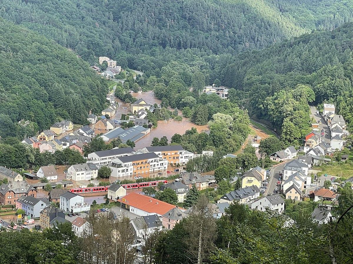 Hochwasser Kordel mit Altenpflegeheim.jpg