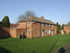 English: Housing - Gibbons Road Three blocks f...