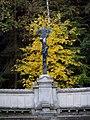 Hrobka Ringhofferů, podzimní Ukřižovaný.JPG