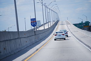 Interstate 95 in Florida - Interstate 95's southbound HOV Lane over the Golden Glades Interchange heading towards Miami