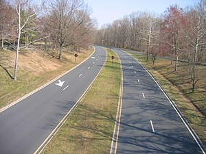 Dual carriageway - Clara Barton Parkway outside Washington, D.C.