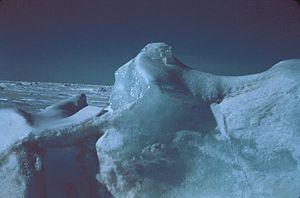 氷's relation image