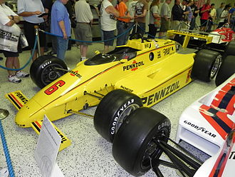 1984 Indianapolis 500 - Image: Indy 500winningcar 1984