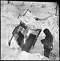 Inngangen til Framheim etter at huset var nedsnødd, 1911 (7654807006).jpg