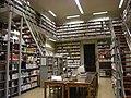 Interno biblioteca 1.jpg