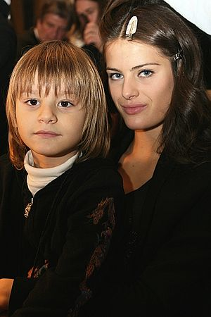 Isabeli Fontana - Isabeli Fontana, with her first son, Zion