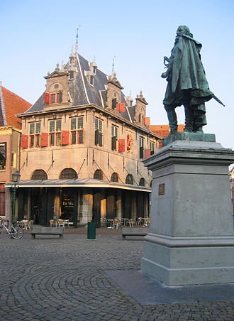 Jan Pieterszoon Coen - Statue of Coen in Hoorn from the south side