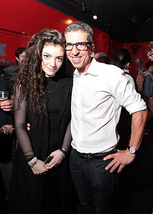 Jason Flom - Image: Jason Flom with Lorde 2013