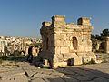 Jerash tetrapylon sud HPIM3401.JPG