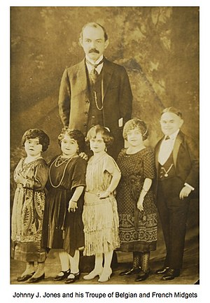 Johnny J. Jones - Image: Johnny J. Jones and Midget Troupe