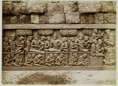 KITLV 28080 - Kassian Céphas - Relief of the hidden base of Borobudur - 1890-1891.tif