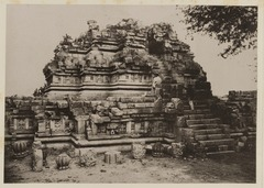 KITLV 40063 - Kassian Céphas - East side of the Brahma Temple of Prambanan near Yogyakarta - 1889-1890.tif