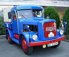 camion definizione 220px-Kaelble-zugmaschine-stuttgart-2005