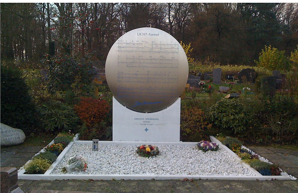 Karlheinz Stockhausens Grab Vorderseite