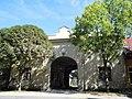 Kasárenská, brána kasární.JPG