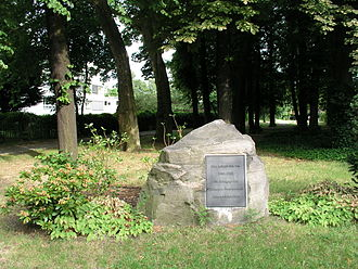 Alt-Hohenschönhausen - A plaque commemorating Hohenschönhausen's synagogue, which was destroyed by the Nazis in 1938.