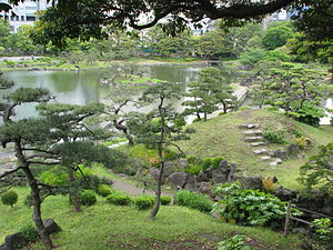 Kyu Shiba Rikyu Garden - View of the pond and the islands Ukishima and Nakajima